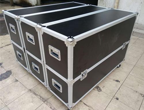 铝合金拉杆箱